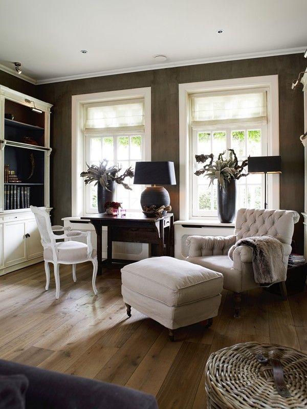 Een stijlvolle klassieke woonkamer klassiek in combinatie met vouwgordijnen doet het altijd - Engelse stijl slaapkamer ...
