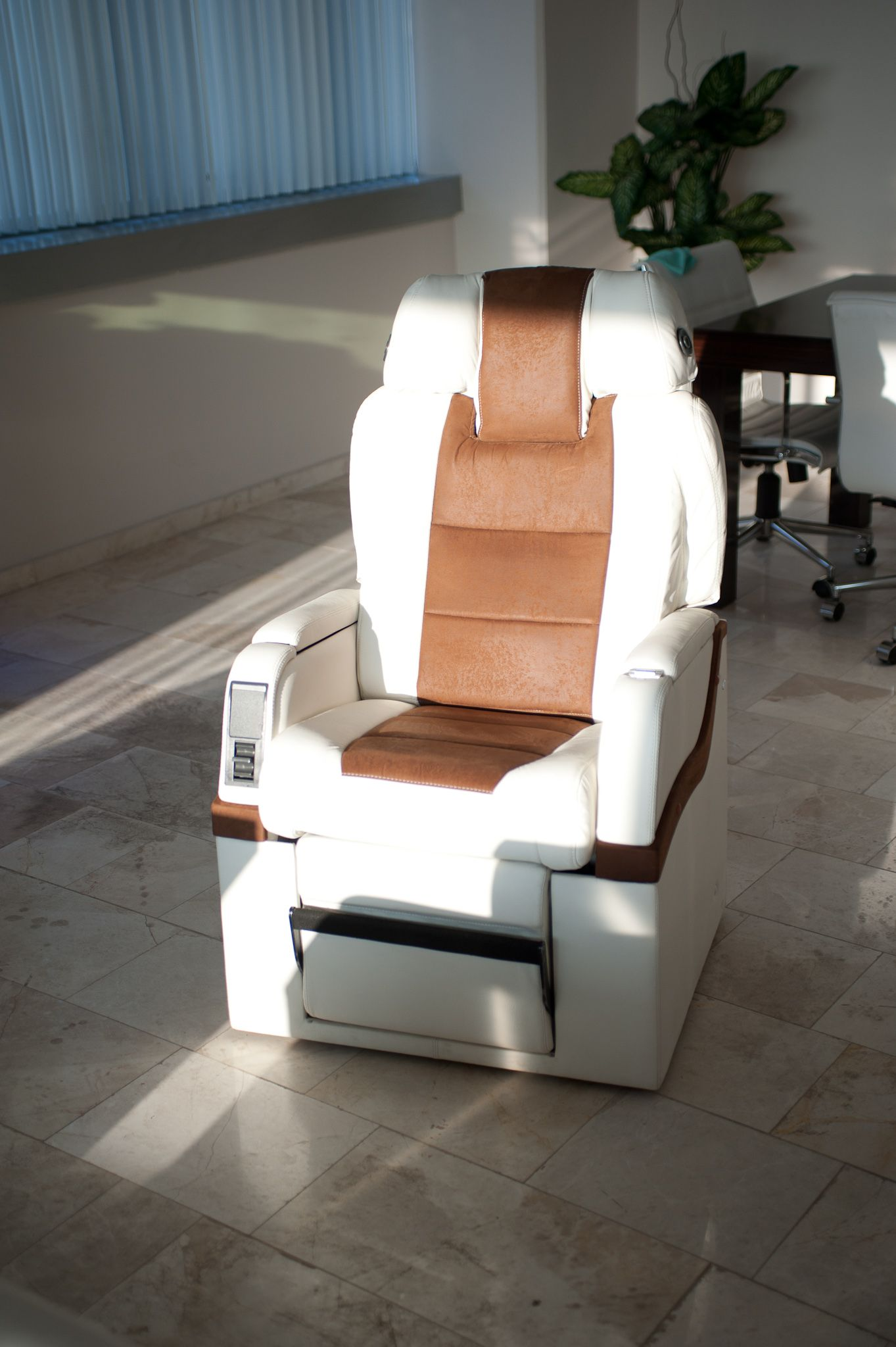 We turned this one into an office chair. | SkyArt First Class ...