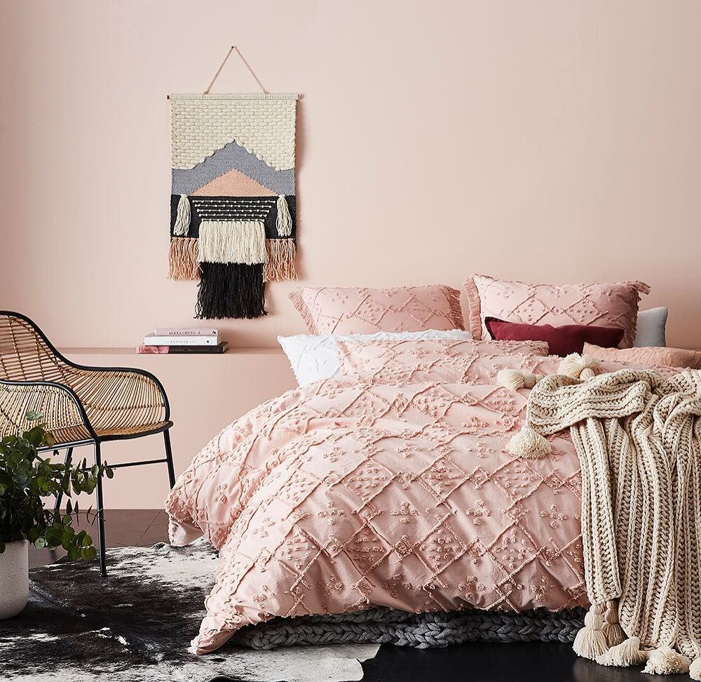 casablanca quilt cover in blush pink