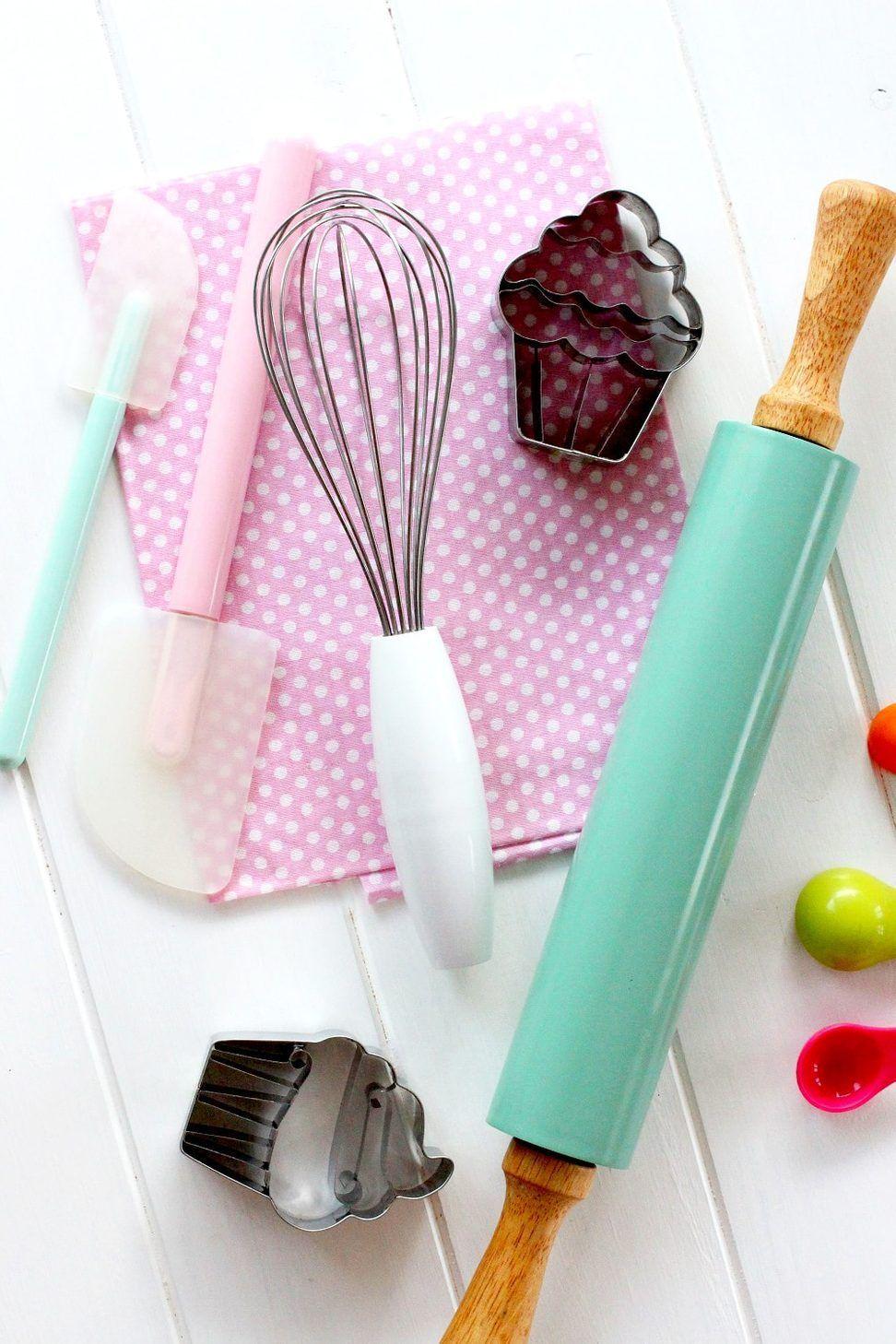Utensilios Repostera Foto Defoto De Utensilios De Reposteriafoto De Utensilios De Reposteria Baking Wallpaper Cake Wallpaper Cake Logo