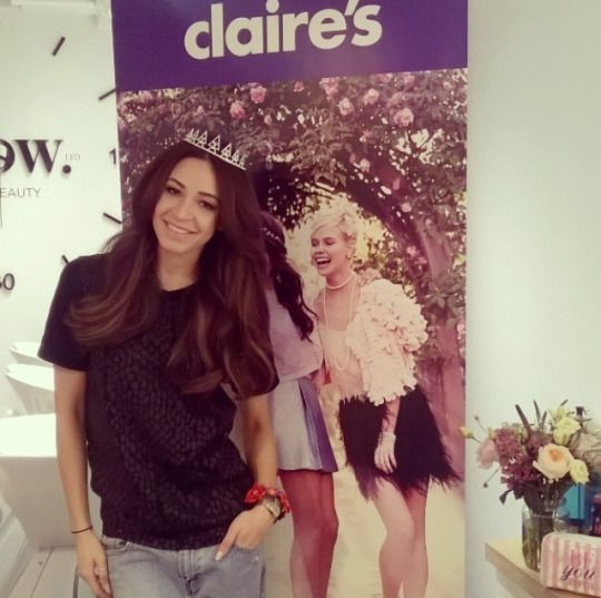 Danielle Peazer #model #dancer #youtuber #fashion #style #beauty #makeup #body #blogger #idle #lane #loves #idlelane #lad #lads #one #direction #onedirection #1d #gf #girlfriend #little #mix #guys #purple #filter #insta #instagram #post #photo #claires #jewelry #katy #perry #prism #collection #tiara