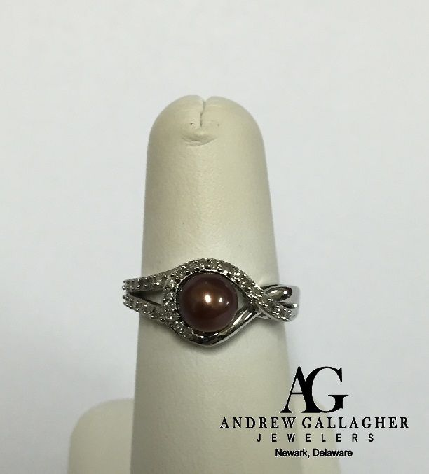 (11/18/15) 50% OFF! 14K White Gold Chocolate Pearl and Diamond Ring. The pearl is approximately 6 1/2 mm.  The diamond weight is 0.22 carats total weight. | Original Retail Price: $755.00 SALE PRICE: $377.50. | Item#: 88-5512 | Call Andrew Gallagher Jewelers at 302-368-3380 for more information. We SHIP!! | #50OffJewelryCase
