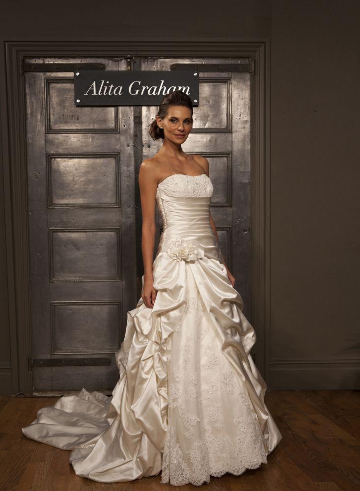 Alita Graham - I LOVE THIS DRESS!!!   weddings   Pinterest   Graham ...