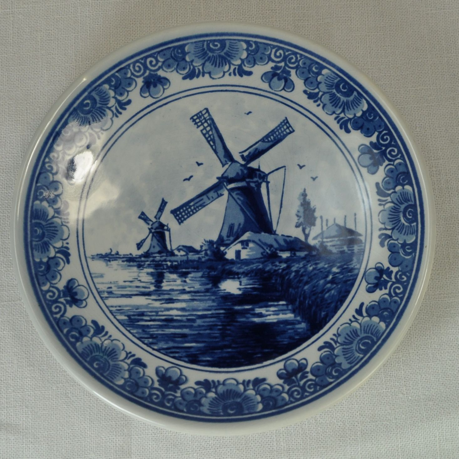 Delft Blauw Small Decorative Plate Hand Painted Signed