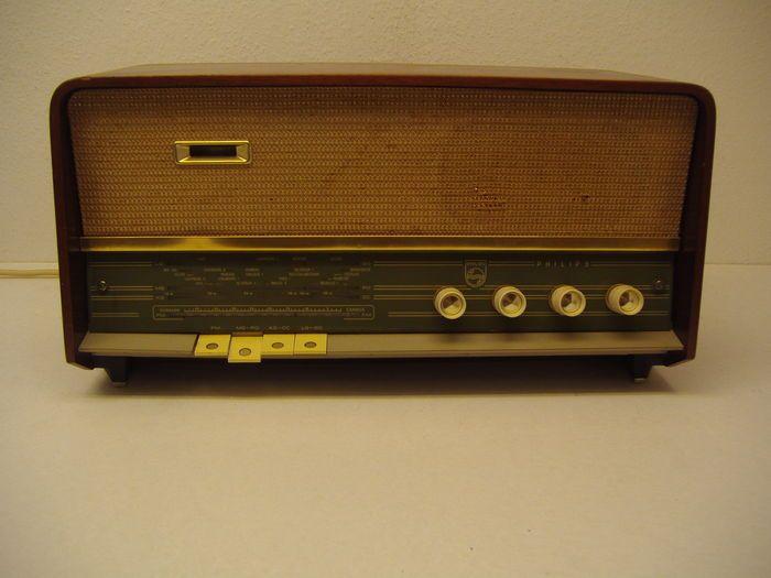Online veilinghuis Catawiki: Philips buizenradio B3X92A uit