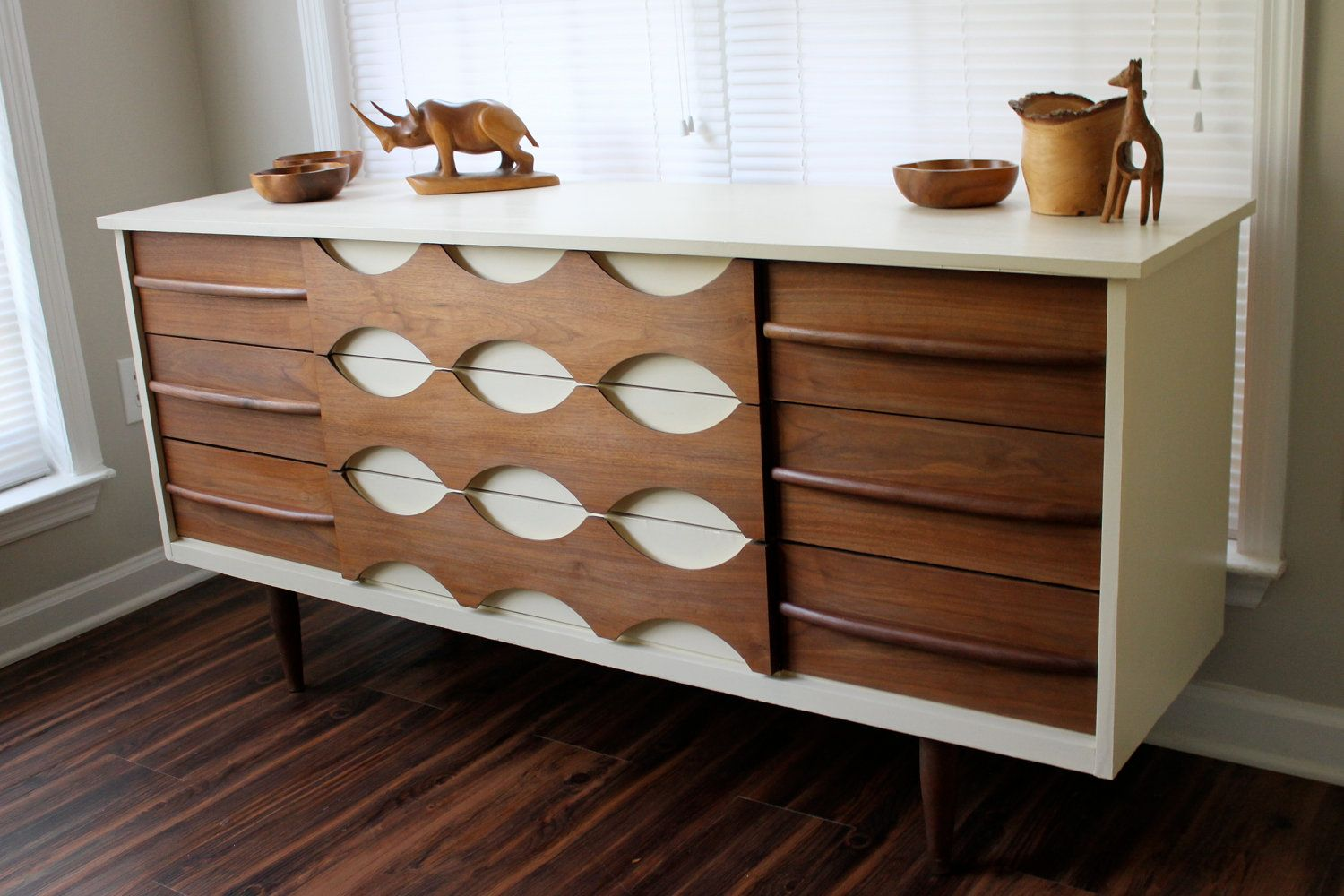 ^ 1000+ images about Mid-century modern painted furniture on ...