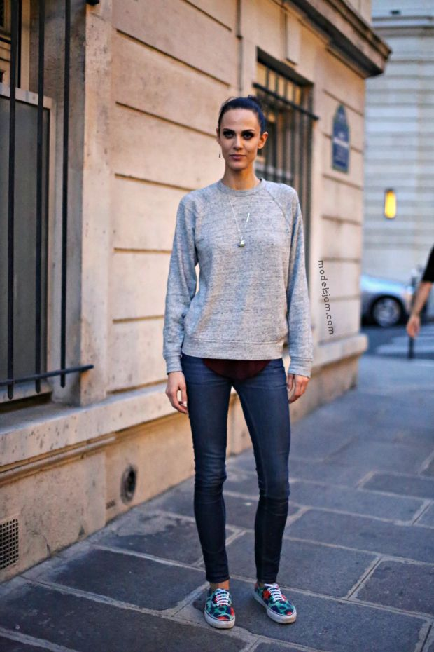 daed384e16 just a jumper   jeans (and some Kenzo X Vans kicks).  AymelineValade making  everyday super basics look amazing.  offduty in Paris.