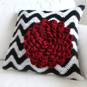 Crochet Pattern: Chevron Flower Pillow Cover (Crochet Spot) & Crochet Pattern: Chevron Flower Pillow Cover (Crochet Spot ... pillowsntoast.com