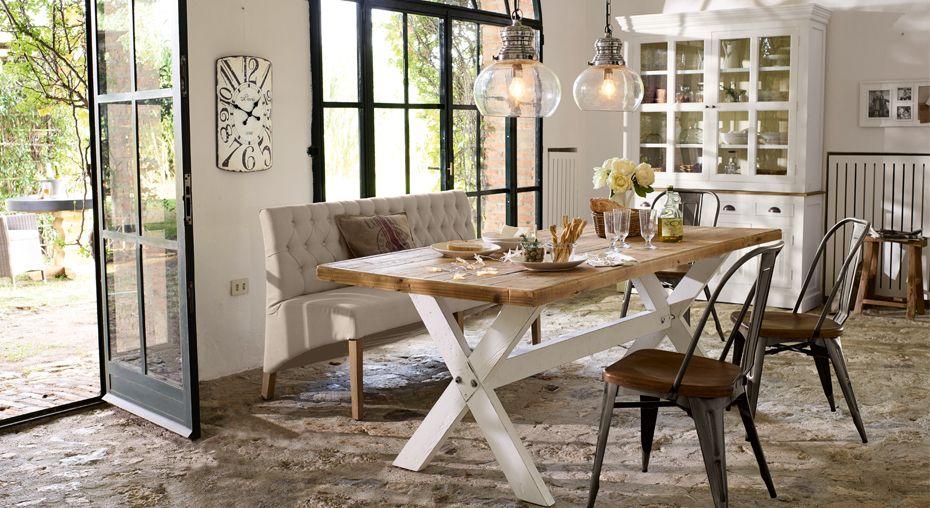 Wohnzimmer Esstisch ~ Rustikaler esstisch macht die küche zu einem interessanten ort