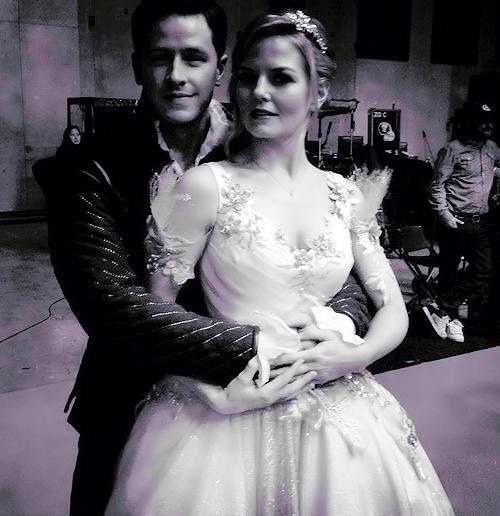 nice black and white shot. Josh and Jennifer on set 3x14. Tumblr