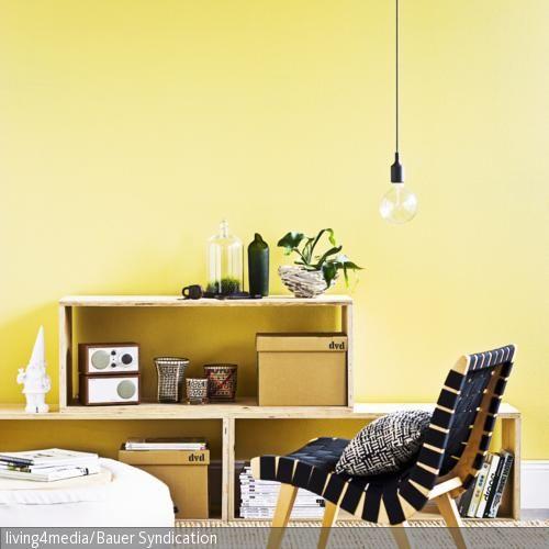klappst hle in unterschiedlichen farben wandgestaltung wohnzimmer m bel und wandfarbe. Black Bedroom Furniture Sets. Home Design Ideas