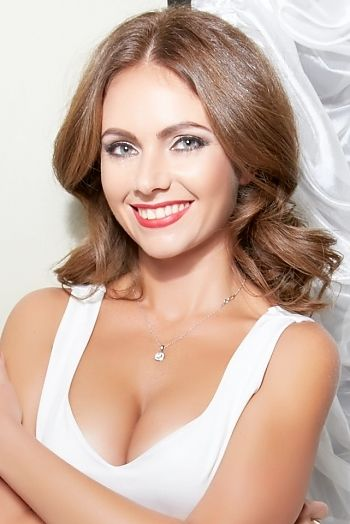 Online dating site to find real Russian or Ukrainian women for dating.