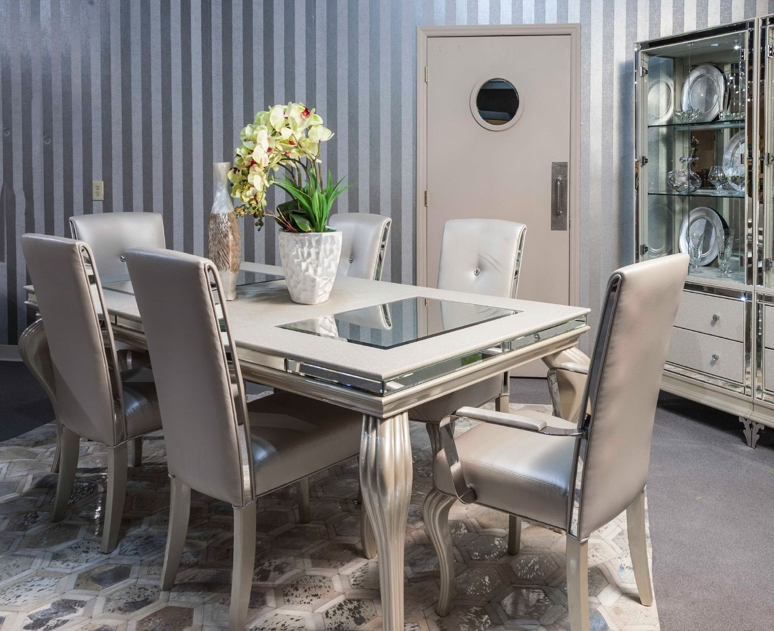Best Hollywood Loft Frost 8 Pc Dining Set By Aico Görüntüler 400 x 300