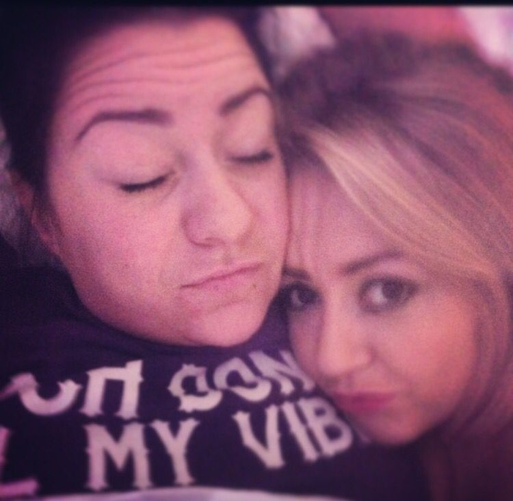 Lucy and Georgie… hungover is the best caption for this picture <3