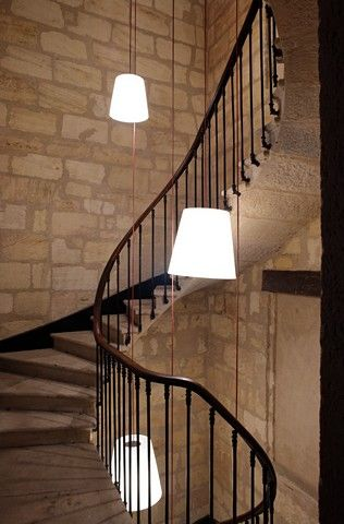 cage d 39 escalier archi pinterest escaliers luminaires et cage escalier. Black Bedroom Furniture Sets. Home Design Ideas