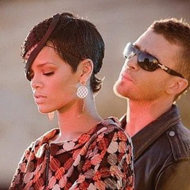 Rihanna In Music Video Rehab Ft Justin Timberlake Rihanna Wearing Rebecca Melrose Earrings Look