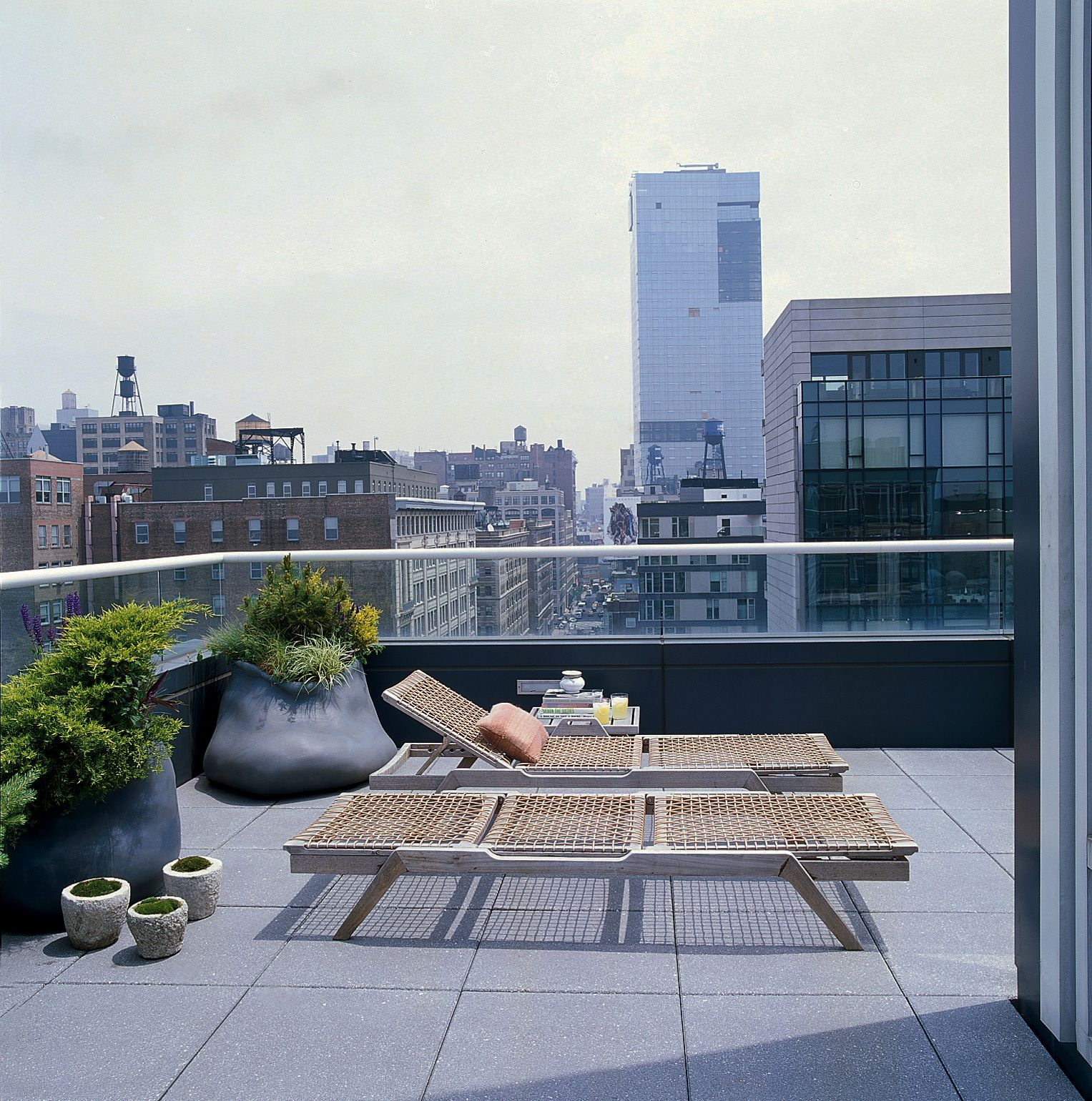 Selldorf Architects :: Loft at Urban Glass House | Rooftop living ...