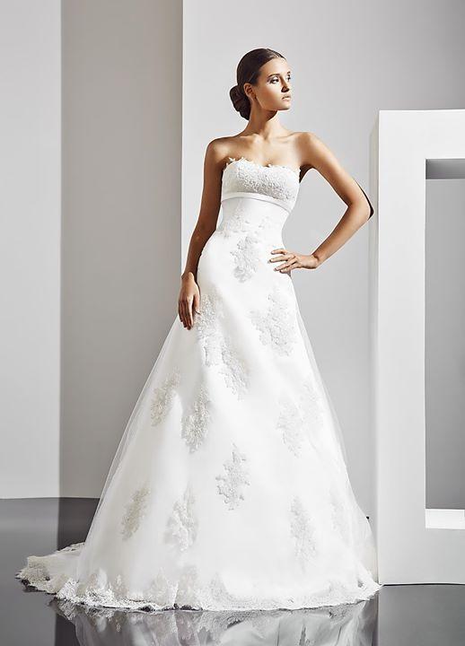Pin de Modanovias en Vestidos de novia | Pinterest | La chaqueta ...