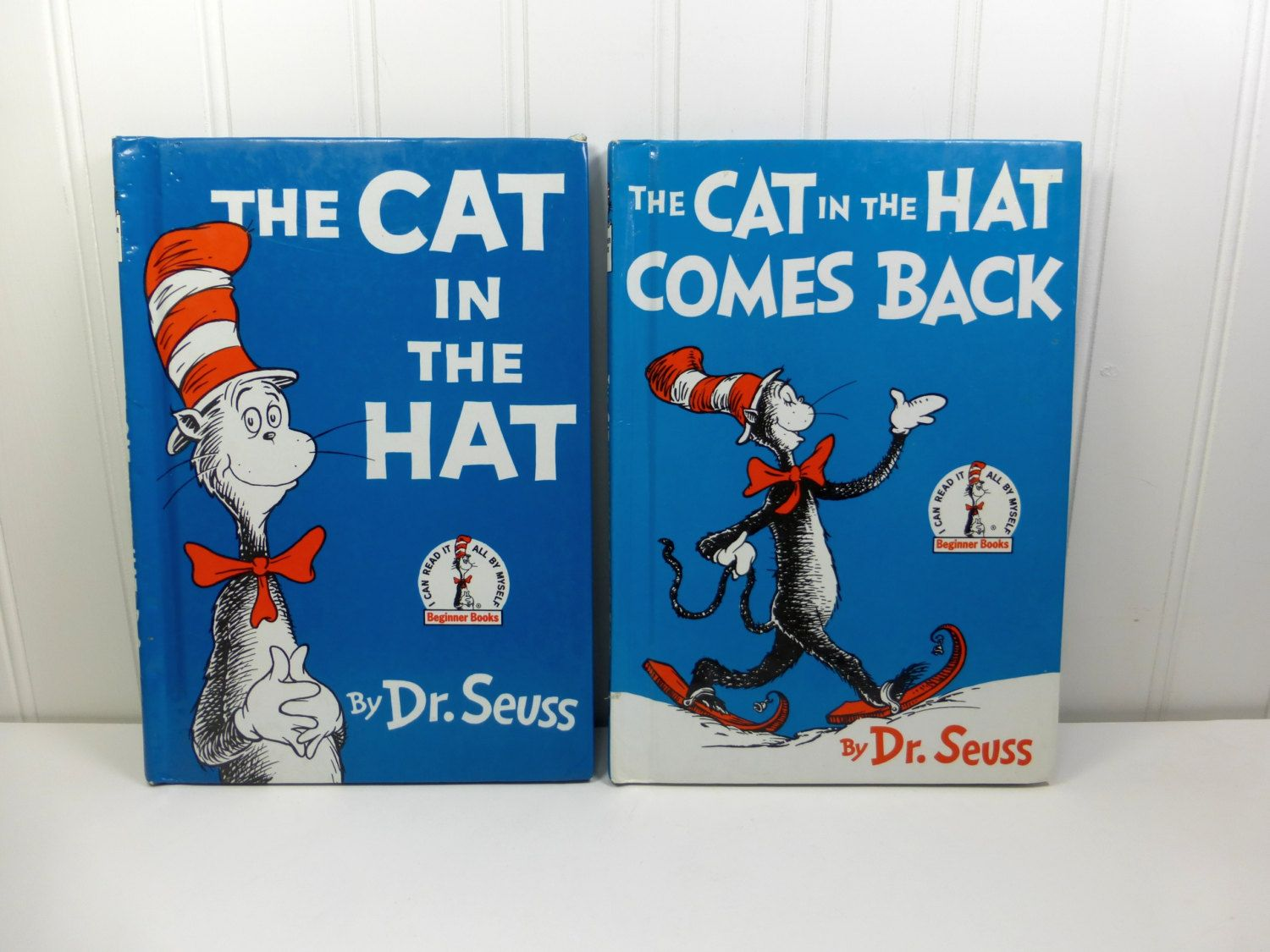 The Cat In The Hat The Cat In The Hat Comes Back Dr Seuss Etsy Beginner Books Seuss Vintage Children S Books