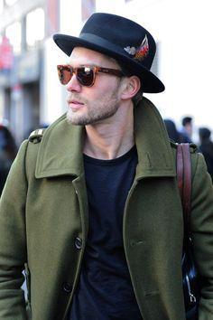 Os chapéus masculinos são acessórios pouco explorados pelo homem brasileiro  que foi excluindo a peça de seu guarda roupa nas últimas 5 ou 6 décadas. 0071e2c39d9