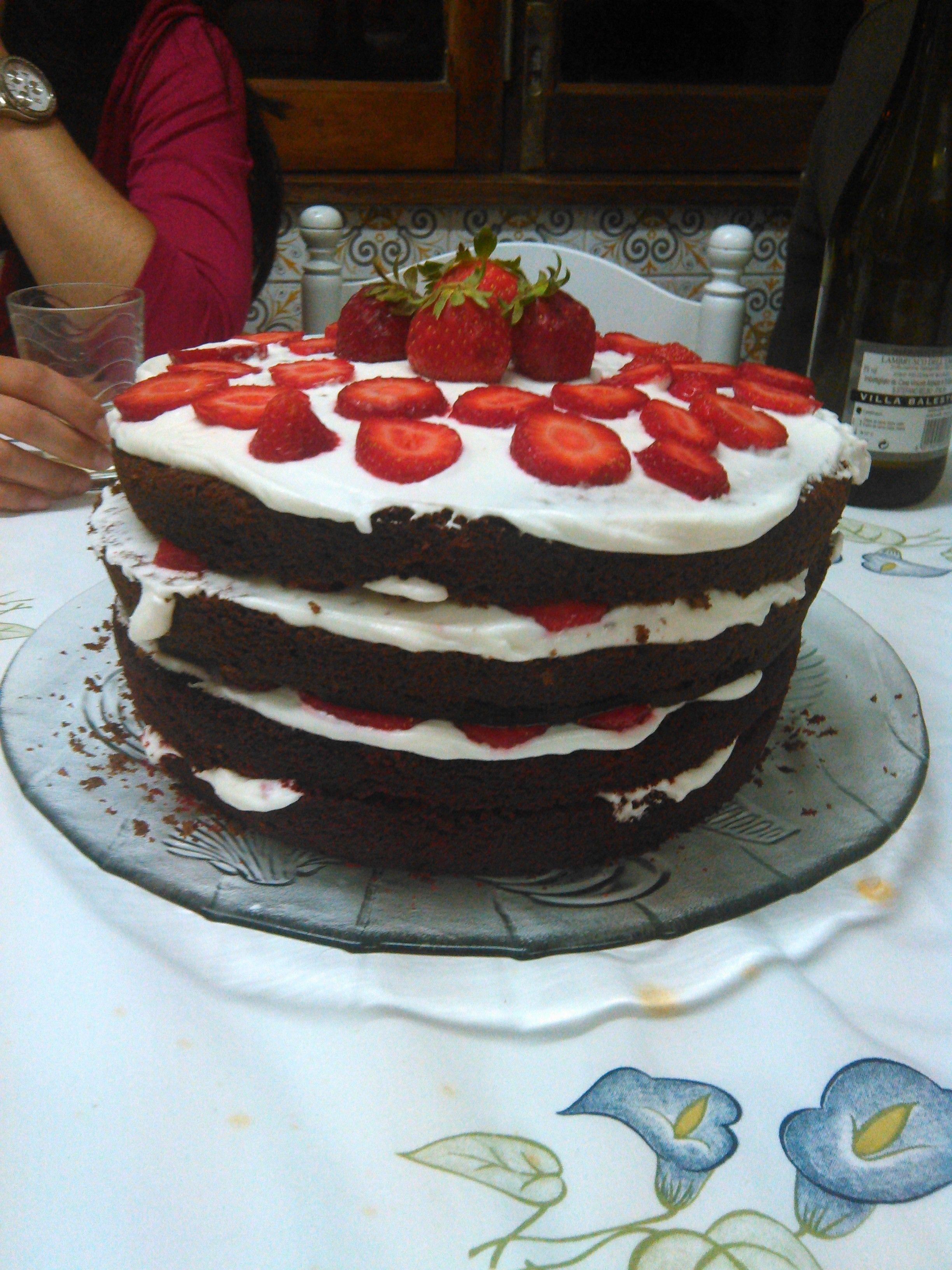 Bolo de chocolate e bolo red velvet
