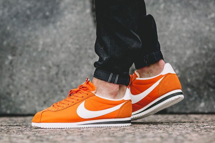 Nike Classic Cortez Nylon AW Men Orange