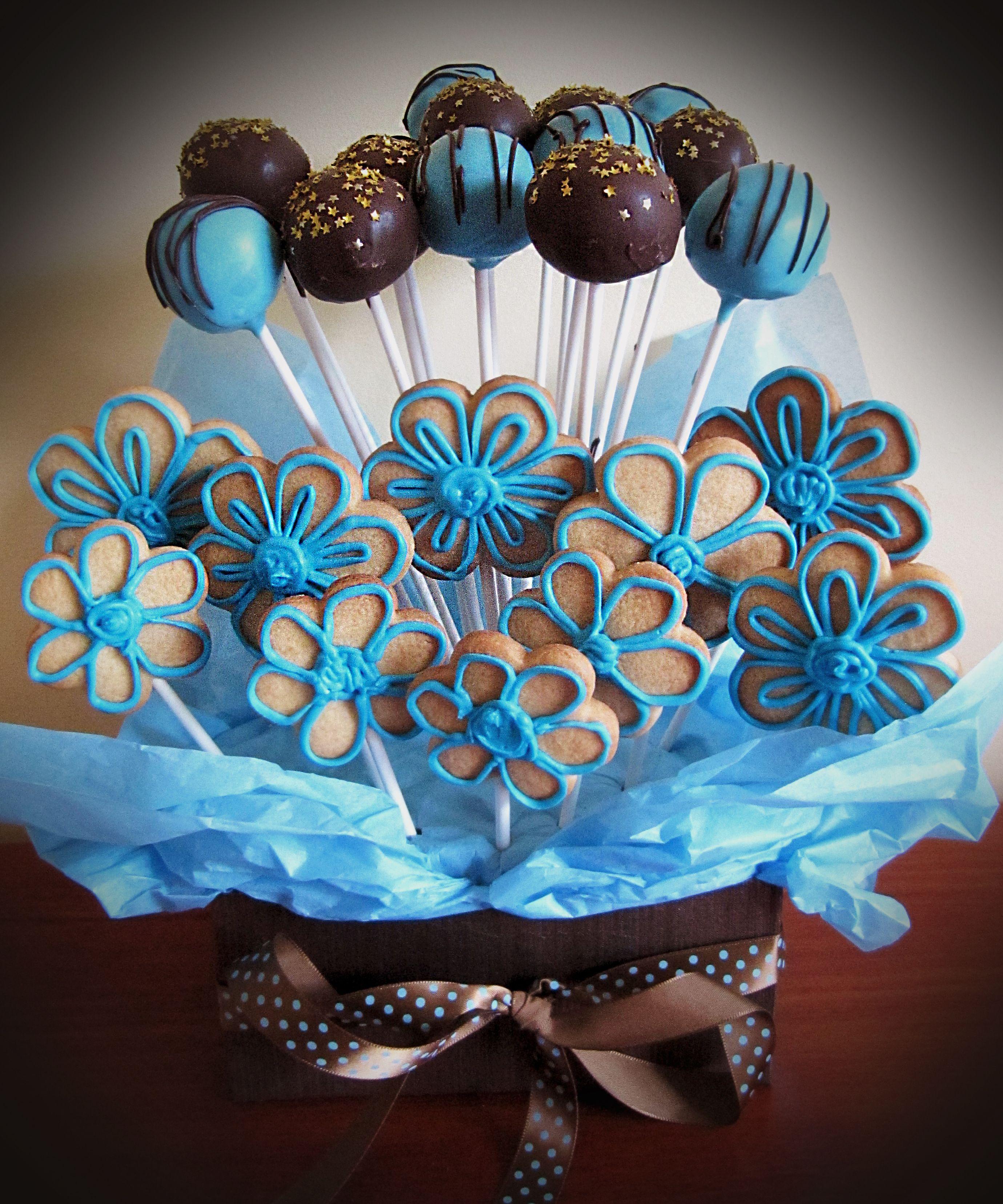 Cake pop & cookie bouquet. #cakepopbouquet