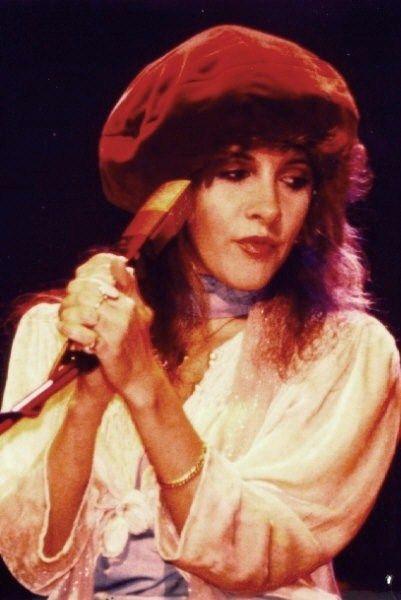 57fb752779389 beautiful Stevie onstage