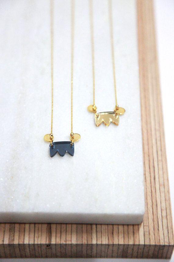 necklace mama dor l 39 or fin bois et plexi miroir. Black Bedroom Furniture Sets. Home Design Ideas