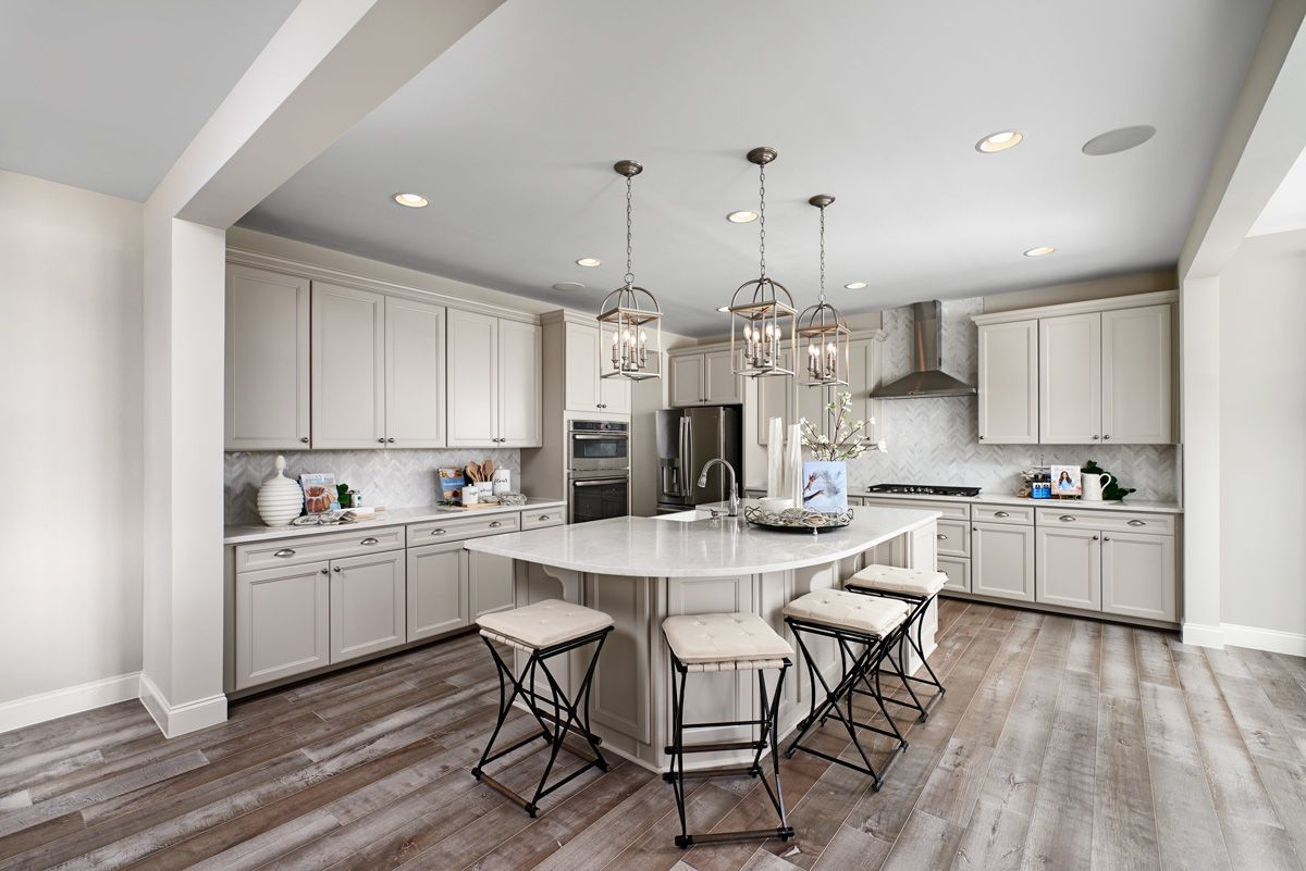 Contemporary Seating Hemingway Model Home Kitchen Hagerstown Maryland Richmond American Homes In 2020 Log Home Kitchens New Kitchen Designs Home Kitchens