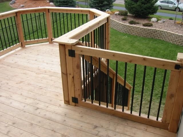 Custom cedar deck gate shakopee mn our garden for Custom deck ideas