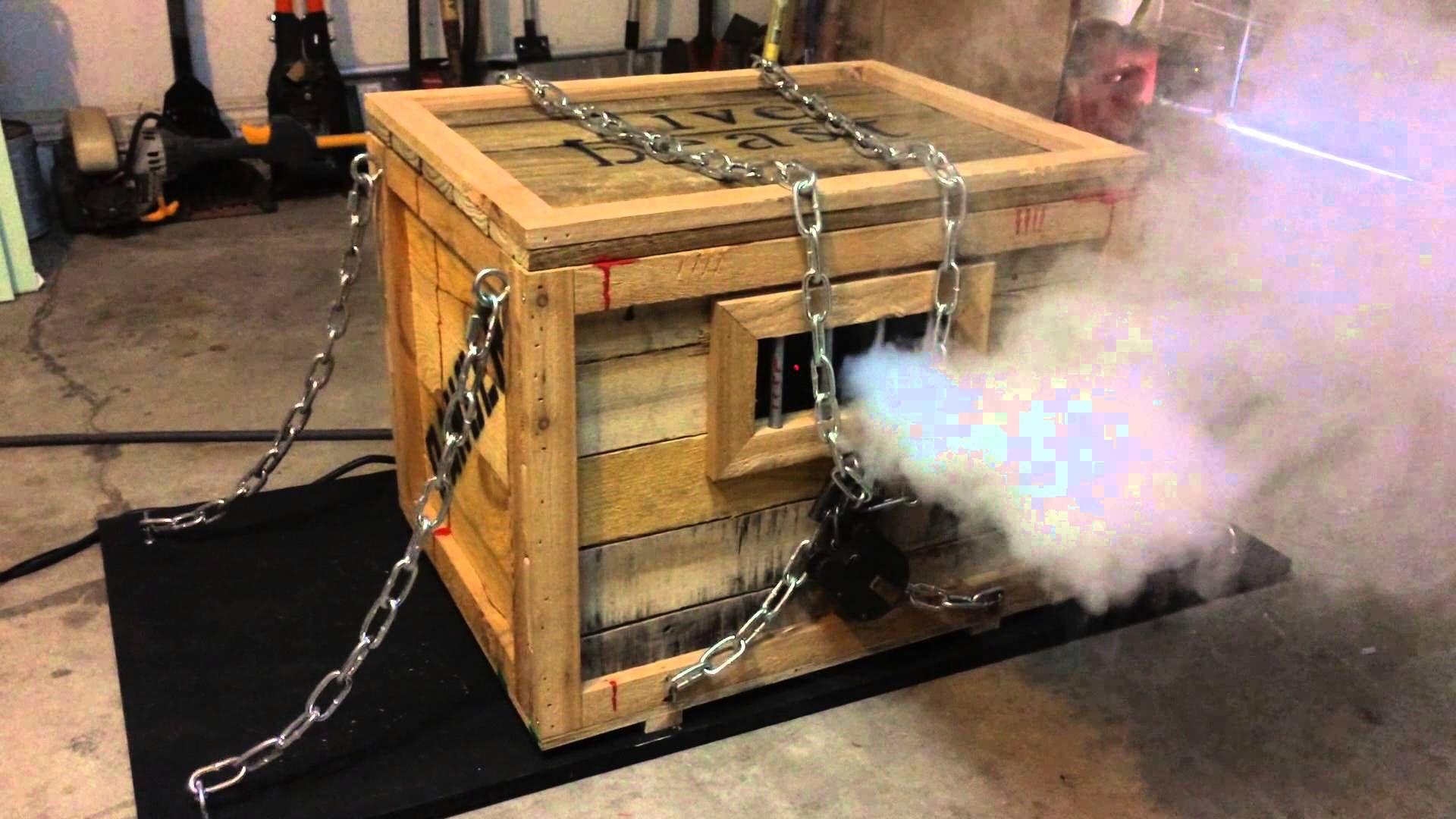 Monster In A Box Halloween Prop Halloween Prop Halloween Deko