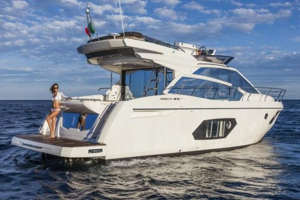 Absolute Yachts 45Fly -  Luxury yachts and boats made in Italy