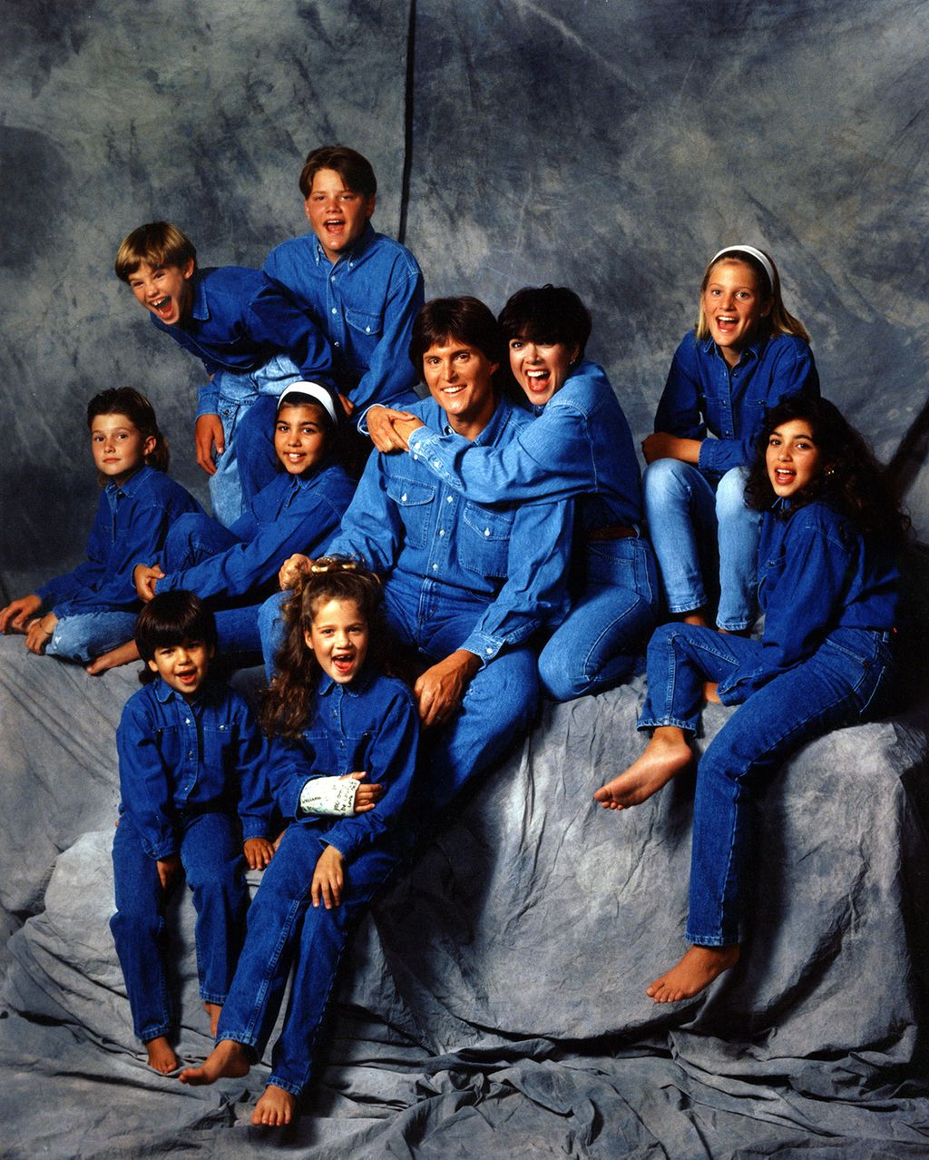 Amazingly Bad Photos From Bruce And Kris Jenner S 22 Years Of Marriage Kardashian Family Photo Kardashian Family Kardashian