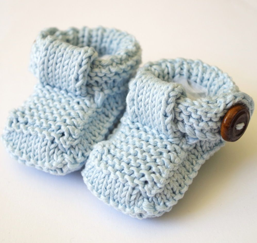 free knitting pattern for baby booties with buttons | Crochet ...