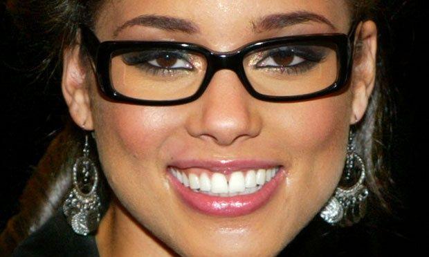 maquiagem-para-quem-usa-oculos