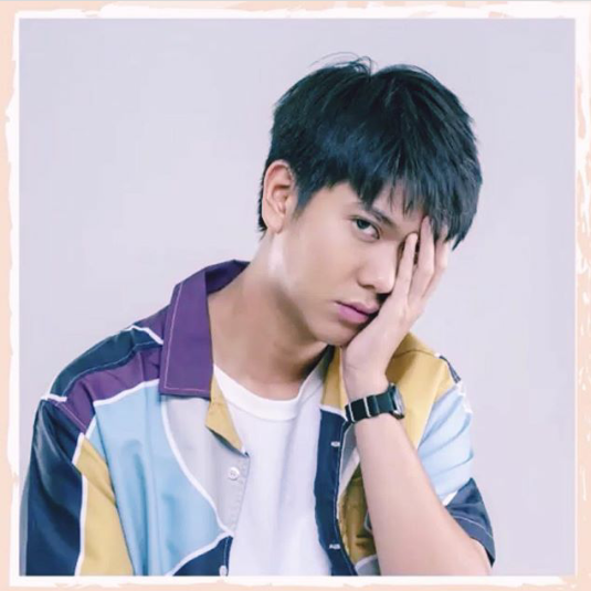 Pin oleh Febiwee di Balee♡ Selebritas, Pacar pria, Anime