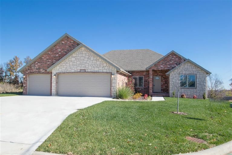 New Construction in Fox Grape!!! Great location and the