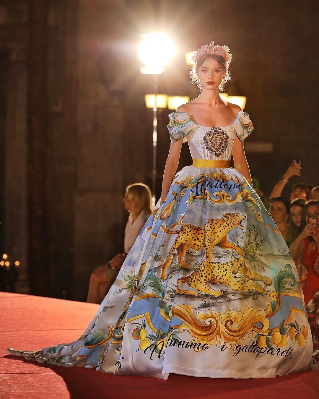 Dolce Gabbana Alta Moda 2017 The Best Pictures From Dolce Gabbana S Alta Moda Show Fashion Fancy Dresses Pretty Dresses