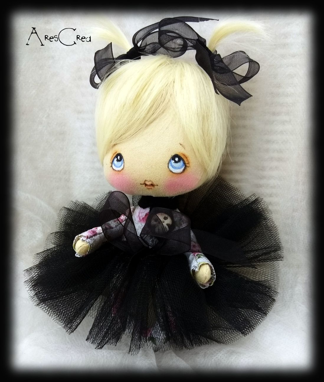 Miniature goth doll Evelyn with blond hair and blue eyes. Handmade by AresCrea on Etsy #goth #doll #miniaturedoll