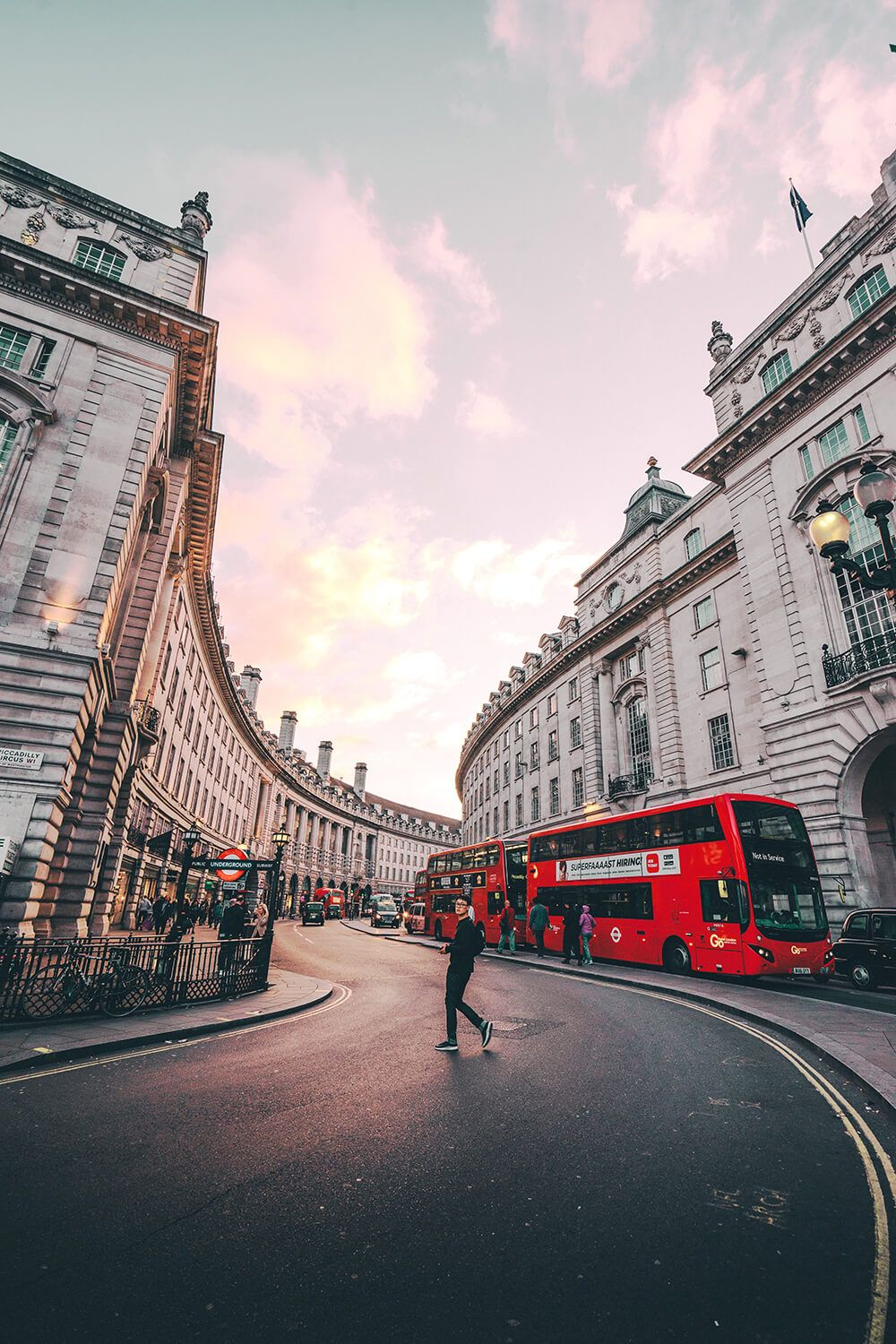 Visiting London For The First Time: Here Are 10 Things You Can't Miss - Avenly Lane Travel
