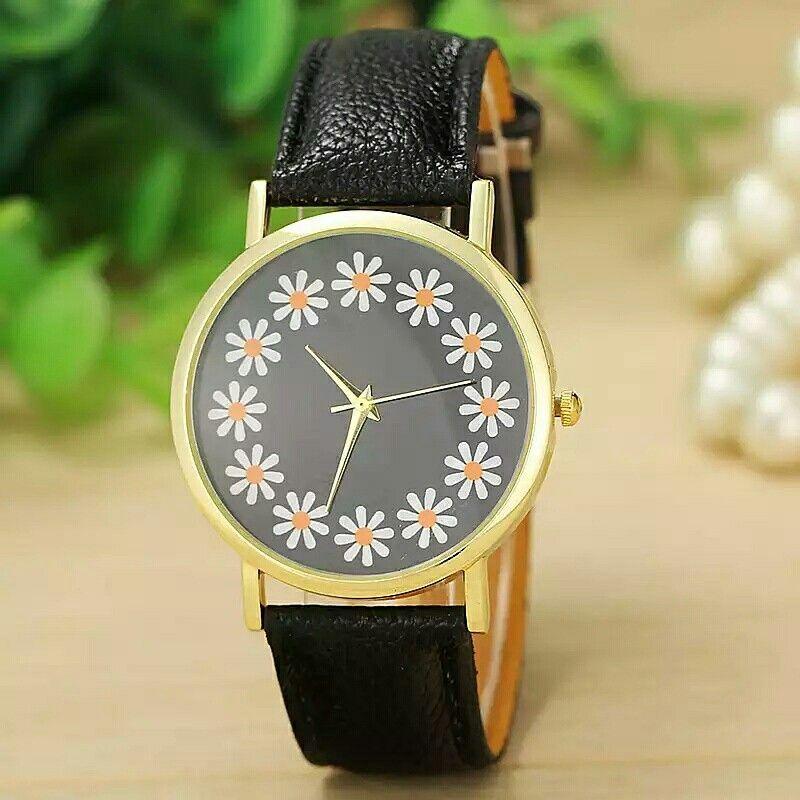 Reloj negro con flores  #astromelia #accesorios #gdl  envíos a la república mexicana