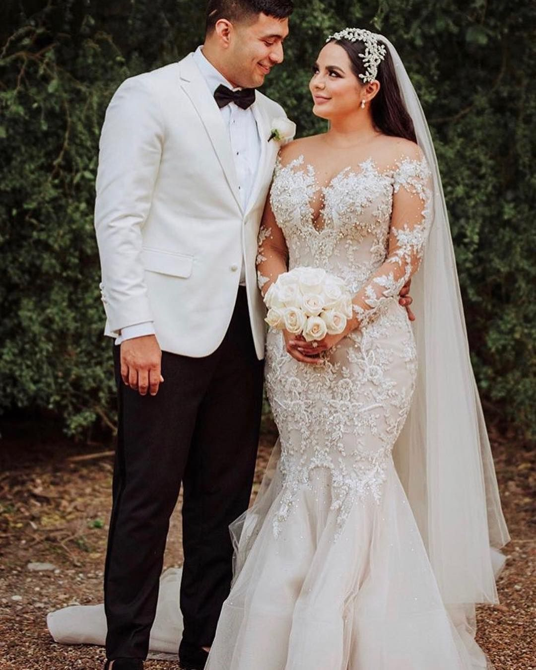 Haute Couture Bridal Gowns Can Be Costly For Brides On A Budget That Can Make Your Favorite We Plus Wedding Dresses Mermaid Wedding Dress Wedding Dresses