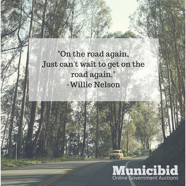 Here's a little Willie Nelson to end your week on a good
