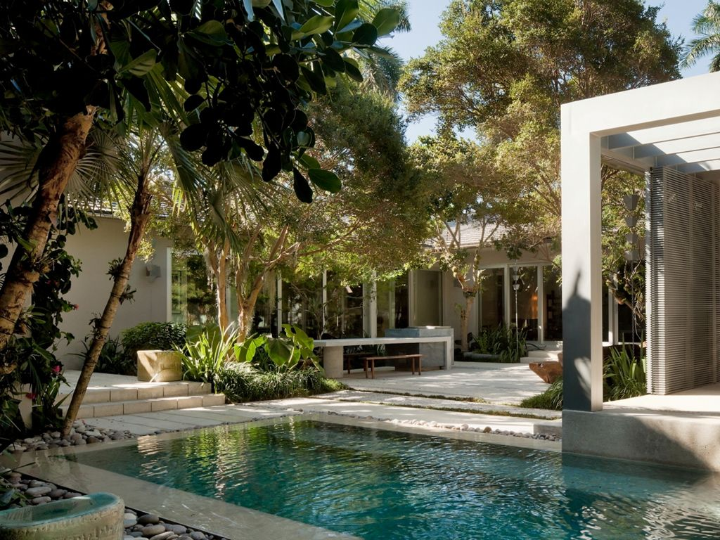 Miami Beach Garden | Raymond Jungles, Inc. | Home inspiration ...
