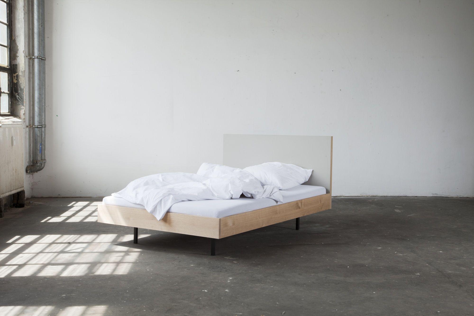 Unidorm bett material linoleum massive eiche ge lt for Bett holz modern