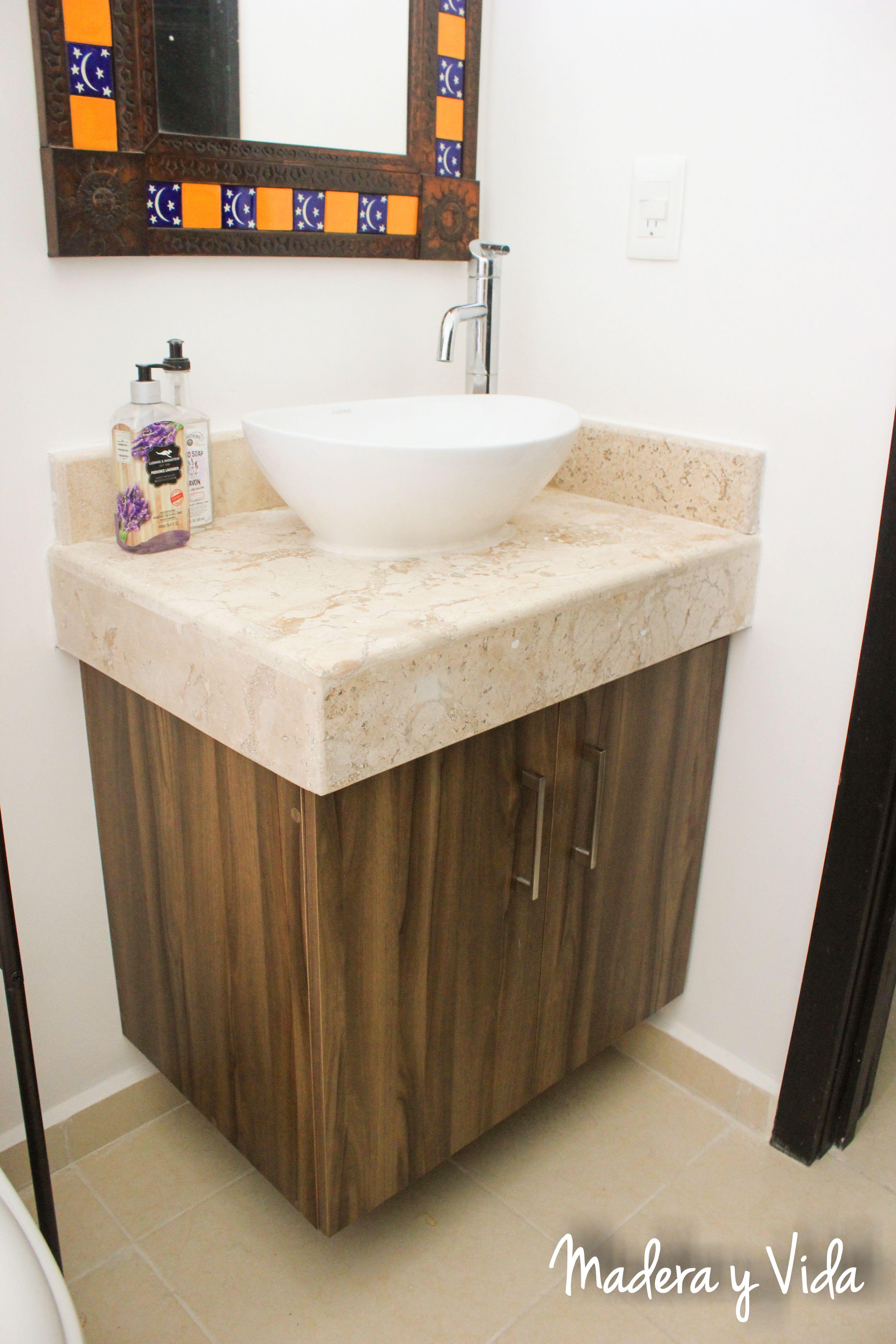 Small bathroom Madera y Vida es un estudio de diseño y construcción ...