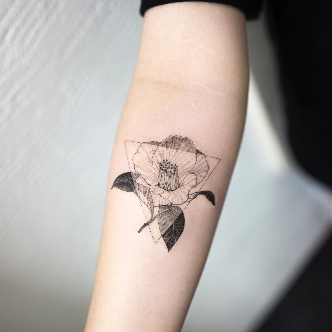camellia flower #camelliaflower #flowertattoo #triangletattoo #blacktattoo #tattoo #tattoos #ink #hongdam #tattooisthongdam #동백꽃타투 #꽃타투 #삼각형타투 #블랙타투 #타투 #홍담 #타투이스트홍담