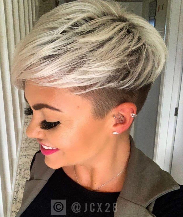 10 Einfache Kurze Pixie Schnitte Fur Schicke Damen Kurze Haare 2020 In 2020 Kurzhaarfrisuren Haarschnitt Kurz Schone Frisuren Kurze Haare