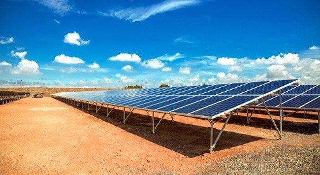 Solar Farm In The California Desert Solar Farm Solar Solar Projects